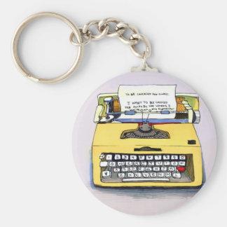 Máquina de escribir amarilla peculiar llavero redondo tipo pin
