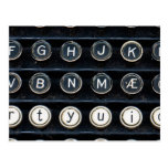 Máquina de escribir antigua postal