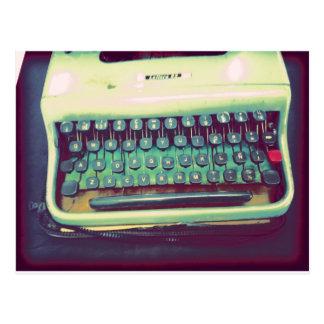 Máquina de escribir del vintage postal