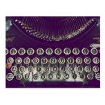 Máquina de escribir pasada de moda tarjetas postales
