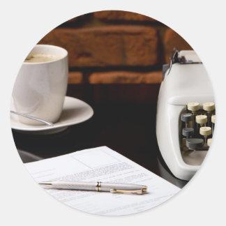 Máquina de escribir pegatina redonda