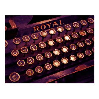 Máquina de escribir real del vintage postales