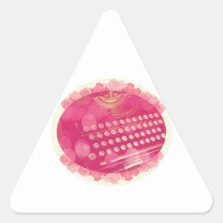 Máquina de escribir rosada soñadora pegatina triangular