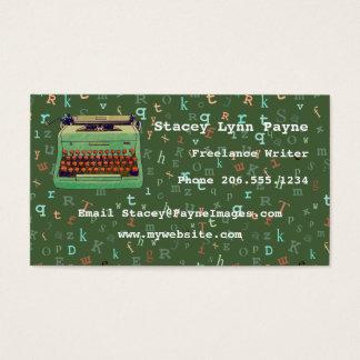 Máquina de escribir verde en el tipo en colores tarjetas de visita