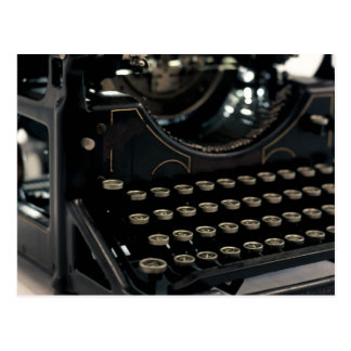Máquina de escribir vieja tarjeta postal