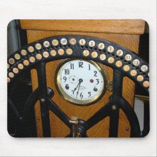 Máquina de grabación del tiempo del empleado tapetes de ratón