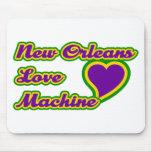 Máquina del amor de New Orleans Tapetes De Ratón
