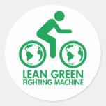 Máquina que lucha verde magra pegatina redonda