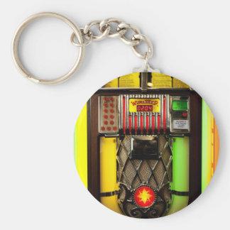 Máquina tocadiscos del vintage llavero redondo tipo pin