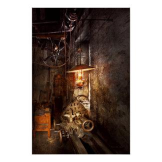 Maquinista - torno - la esquina de un taller viejo