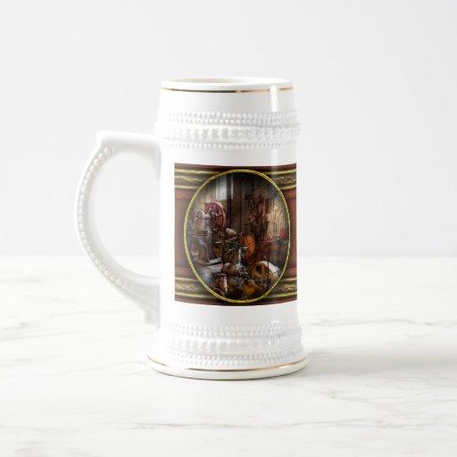 Maquinista - un cuarto por completo de memorias tazas de café