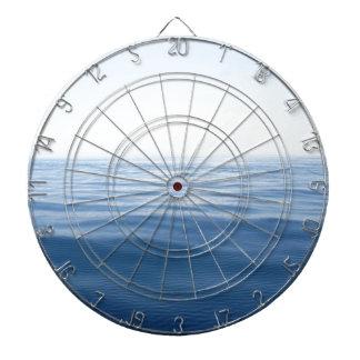 mar azul profundo tablero dardos