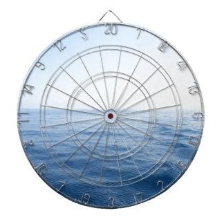 mar azul profundo tablero de dardos