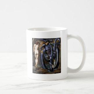 Mar desnudo condenado del agua del hombre de la taza de café