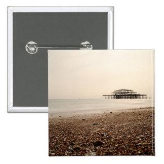 Mar en la playa de Brighton Pins