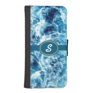 Mar que remolina con monograma funda tipo billetera para iPhone 5