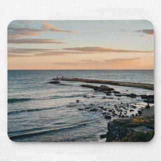 Mar temático, mar azul profundo, terraplén que tapete de raton