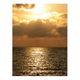 Mar tirreno, puesta del sol postales