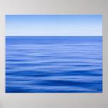 Mar tranquilo sedoso, cielo azul, falta de definic posters