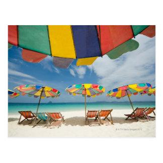Mar tropical de la playa y de la turquesa de la postales