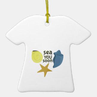 Mar usted pronto adorno de cerámica en forma de camiseta