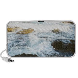 Mar y rocas altavoz de viajar
