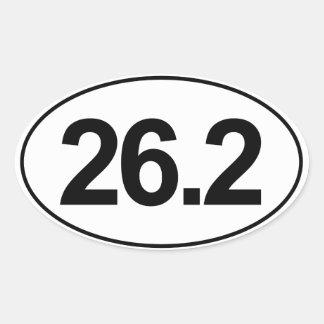 Maratón 26,2 millas de pegatina oval (blanco)