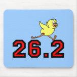 Maratón lindo del polluelo tapete de raton