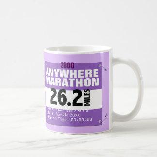 Maratón personalizado de la púrpura dondequiera, taza básica blanca