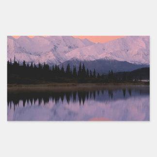 Maravilla Alaska de la salida del sol de Denali Pegatina Rectangular