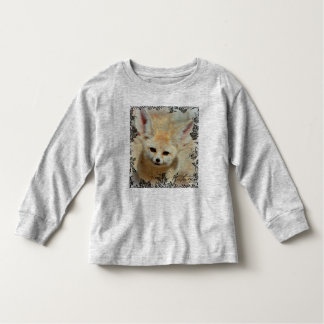 Maravilla del otoño con la camisa del Fox de