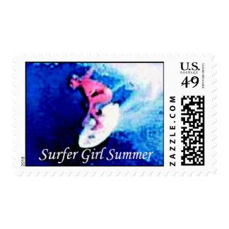 marca registrada del verano del chica de la estampillas
