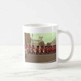 Marching guards at buckingham palace coffee mug