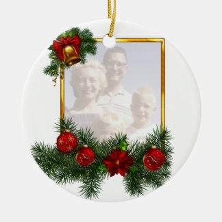 Marco adornado del navidad adorno redondo de cerámica