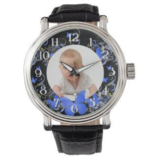 Marco azul de la mariposa de la foto de encargo relojes