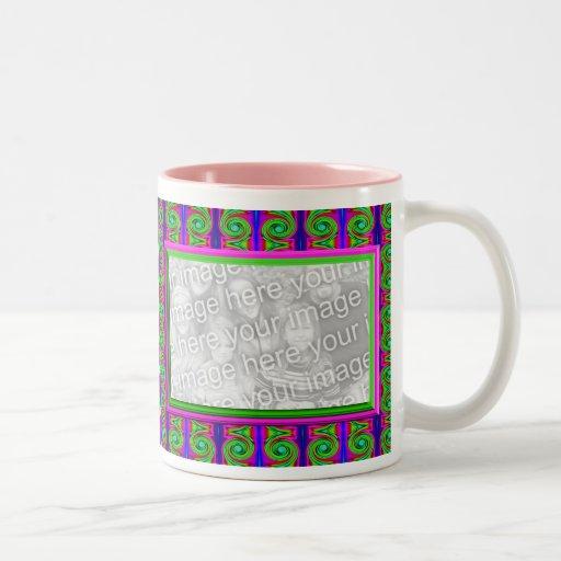Marco brillante de la foto de los rizos tazas de café