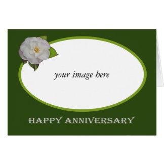 Marco de encargo de la camelia blanca, aniversario tarjeta de felicitación