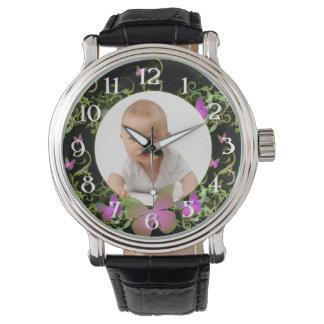 Marco de encargo de la mariposa de la foto reloj