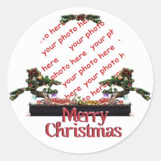 Marco de la foto del árbol de navidad de los pegatina redonda