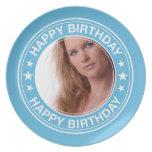 Marco del feliz cumpleaños en azul platos para fiestas