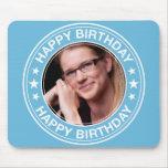 Marco del feliz cumpleaños en azul alfombrilla de ratones