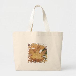 Marco del mosaico de las hojas de otoño bolsas de mano