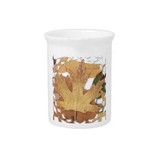 Marco del mosaico de las hojas de otoño jarrón
