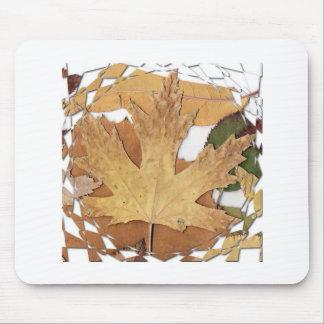 Marco del mosaico de las hojas de otoño tapete de ratón