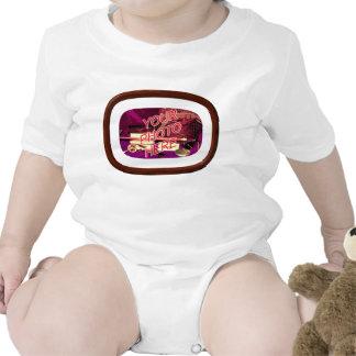 Marco enmarañado de la nuez trajes de bebé