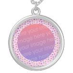 marco lindo en colores pastel de la foto de las ma joyerias