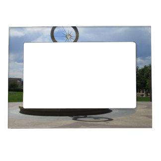 Marco magnético de la foto de la fuente del amanec marcos magnéticos de fotos
