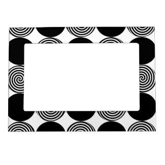 Marco magnético - puntos negros y remolinos en bla marcos magnéticos de fotos
