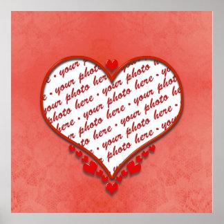 Marco moldeado de la foto del corazón posters