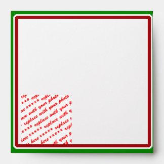 Marco rojo y verde simple para los días de fiesta sobres